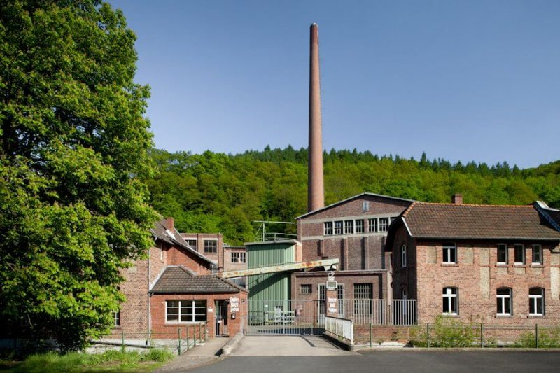 Aussenaufnahme der Büttenpapierfarbrik Zerkall